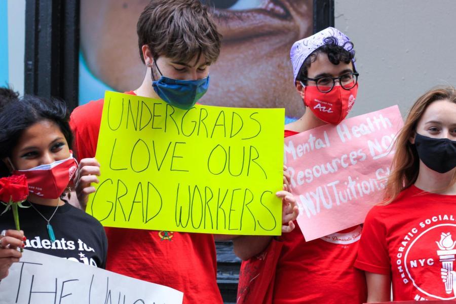 Undergraduates show solidarity with GSOC.