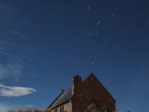 テカポの良き羊飼いの教会とオリオン座、スバル8月30日AM5時