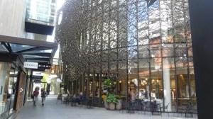 ザクロッシング内のカフェ