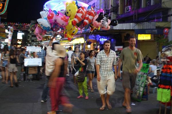 khao san rd at night bangkok
