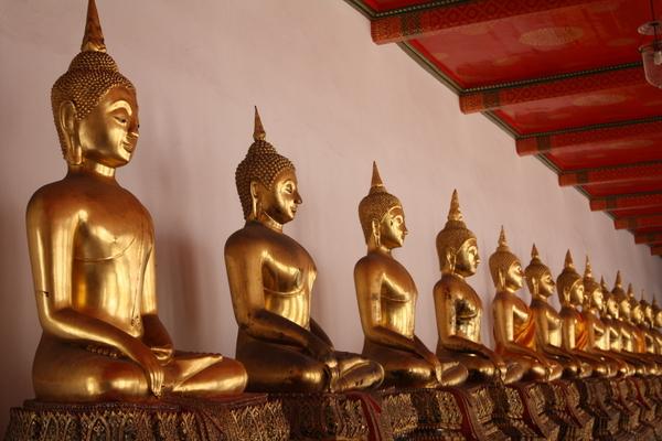 buddha wat pho bangkok temple