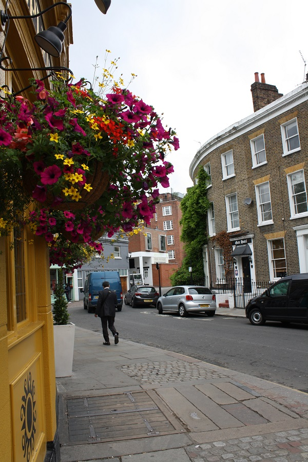Cute street in Notting Hill, London