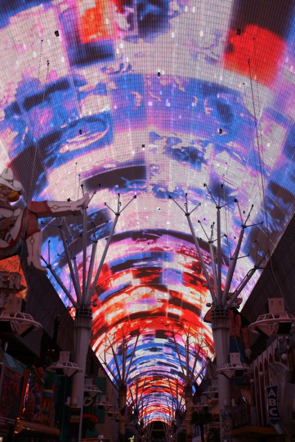 las vegas fremont st light show at night nzmuse rtw blog