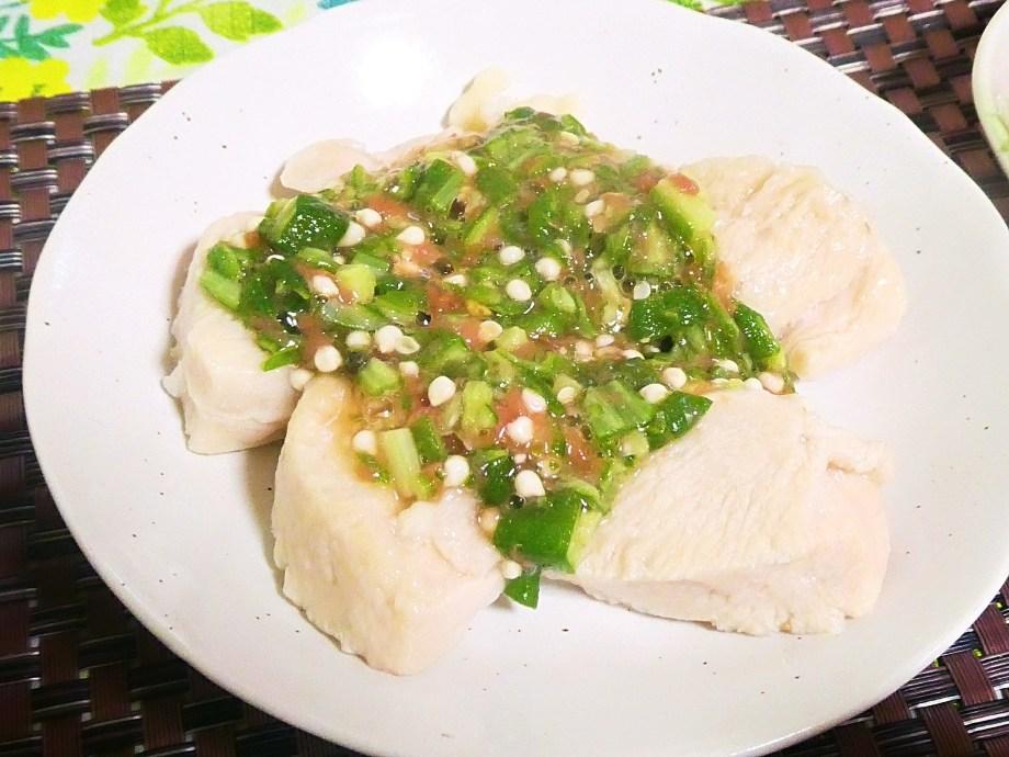 水晶鶏梅肉オクラソース