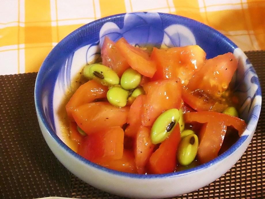 トマトと枝豆の食べるラー油和え