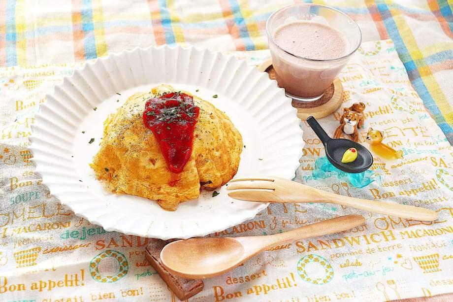 鶏胸肉とトマト缶のオートミールオムライス