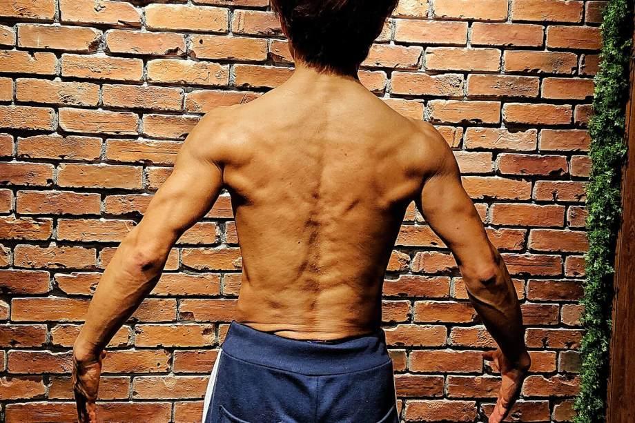 筋肉料理研究家Ryota 背中