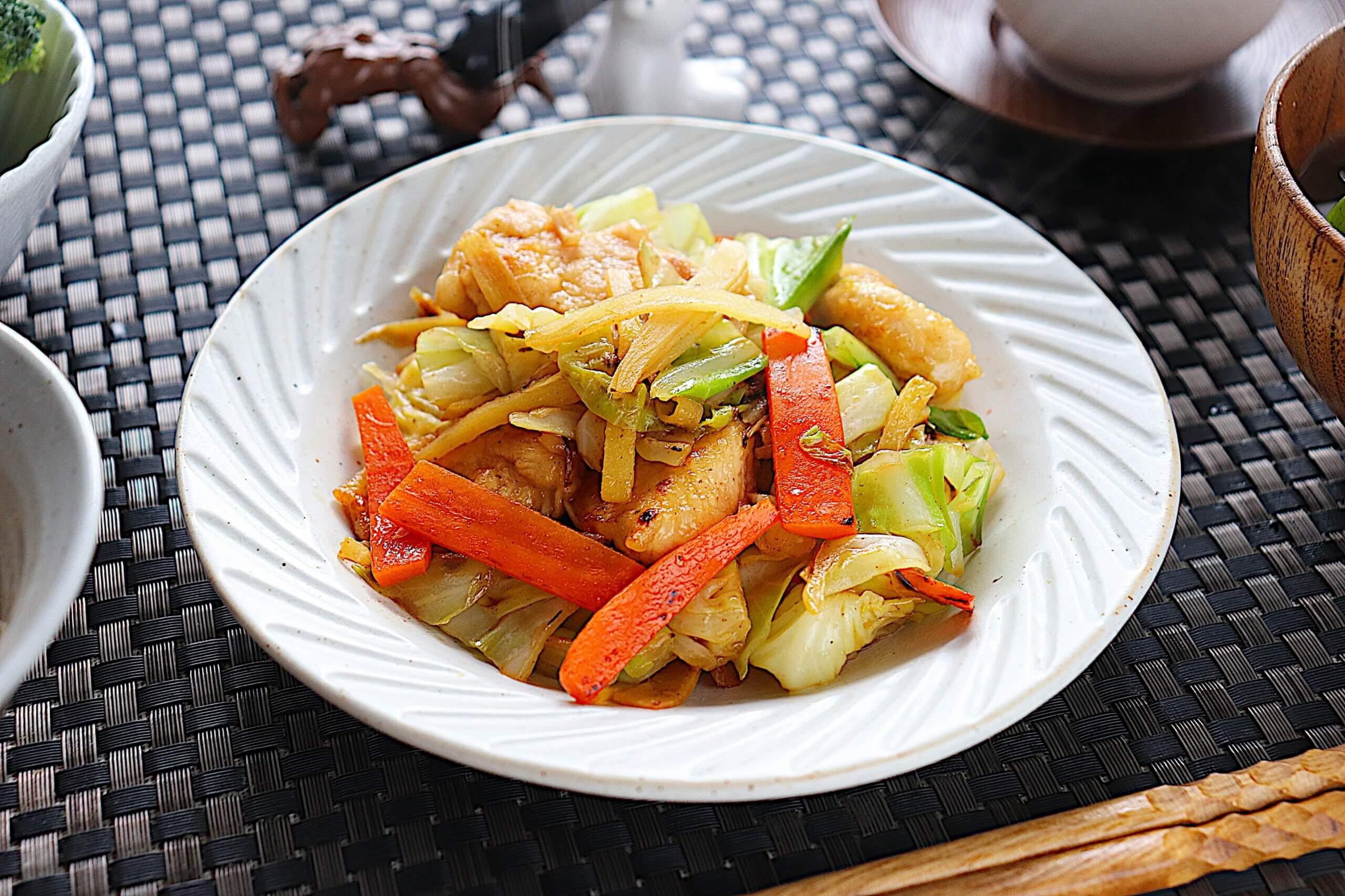 鶏胸肉とキャベツの生姜炒め