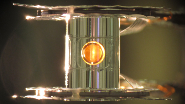 Capsule for fusion experiments