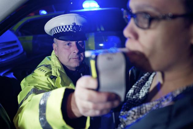Polizia pubblicamente ai bevanda driver di vergogna su Twitter questo Natale