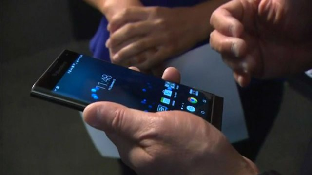 John Chen tries to demo the BlackBerry Priv