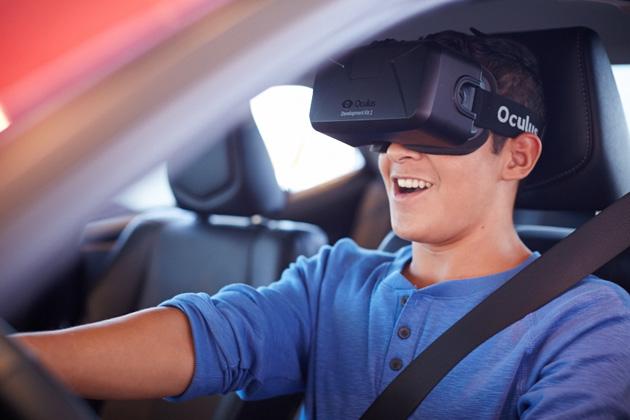 Il VR di Toyota che guida il simulatore insegna agli anni delladolescenza per mettere a fuoco sulla strada