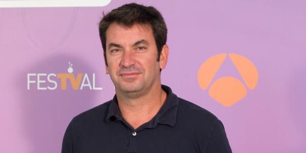 El actor y comunicador Arturo Valls durante la promoción del programa 'Me cambio de década'.