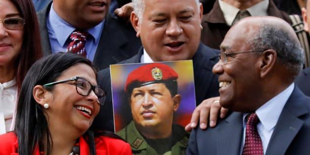 Diosdado Cabello (centro), junto a Delcy Rodriguez y Aristóbulo Isturiz, en la primera reunión de la Asamblea Constituyente de Venezuela, el día 4.