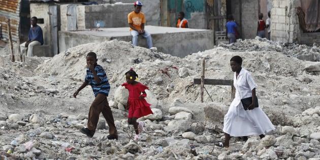 Cerca de 300 mil pessoas morreram no Haiti após terremoto de 2010.