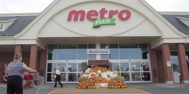 A Metro supermarket in Ste. Marthe-sur-le-Lac, Quebec, Wednesday, Sept. 27. Metro Inc. says it will eliminate about 280 jobs starting in 2021 as part of a $400-million overhaul of its Ontario distribution network.
