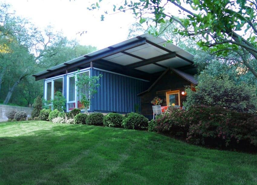 Croydon Lane Residence by Studio Jantzen