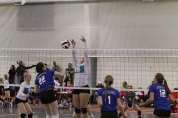 Oahe Elite 16s in Jamestown - Maddie Reinke