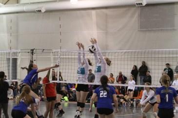 Oahe Elite 16s in Jamestown - Maddie Reinke Erika Stout