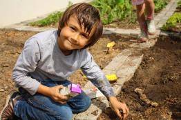 Grade-1-Gardening-Outing (31)