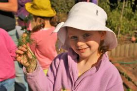 Grade-1-Gardening-Outing (66)