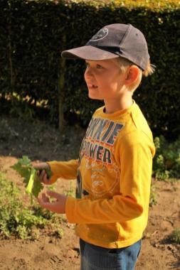 Grade-1-Gardening-Outing (67)