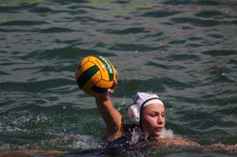 Sophia Trollip gaining distance carrying the ball