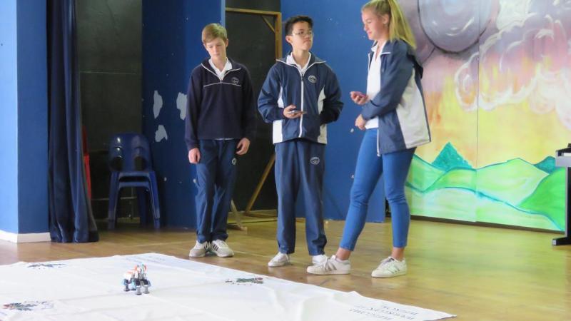 Grade 8 Robotics (2)