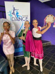 Dance Festival.10
