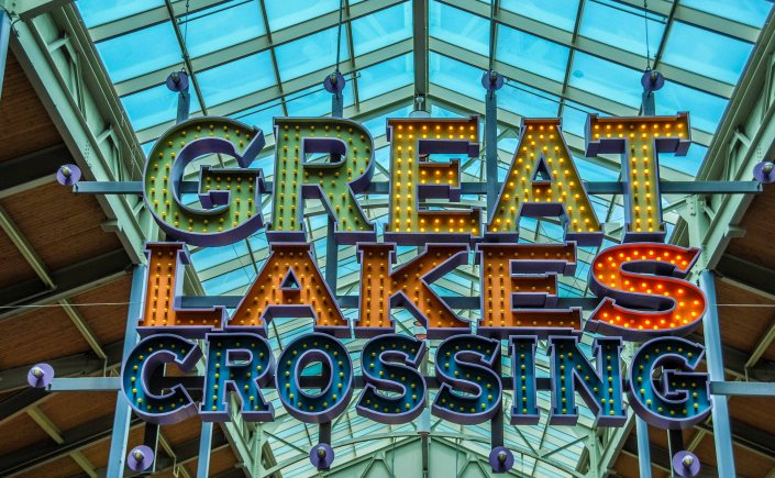 Great Lakes Crossing sign in Auburn Hills.
