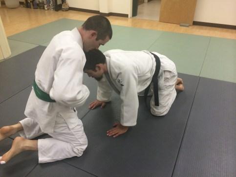 Start facing your opponent.