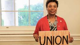 Congresswoman Lee Stands With Unions