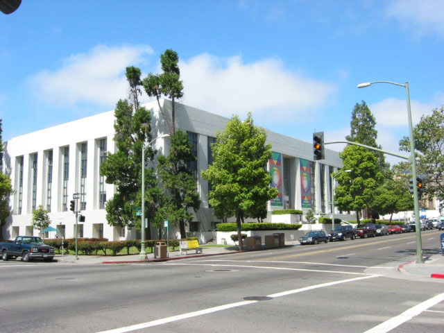 Oakland Public Library Eliminates Overdue Fines July 1