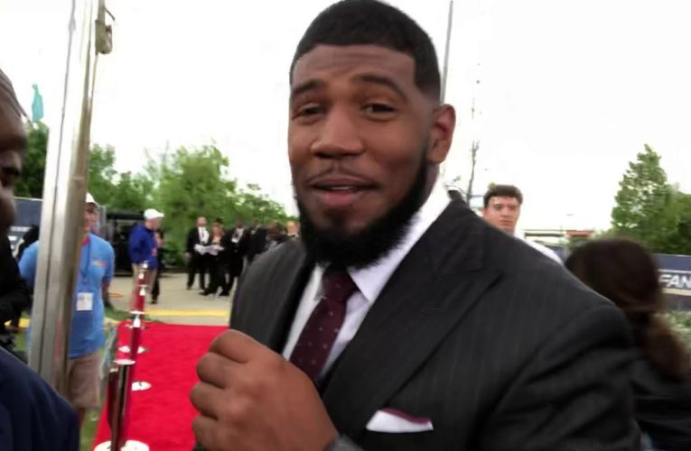 Ed Oliver And Jawaan Taylor Suit Game At 2019 NFL Draft Red Carpet