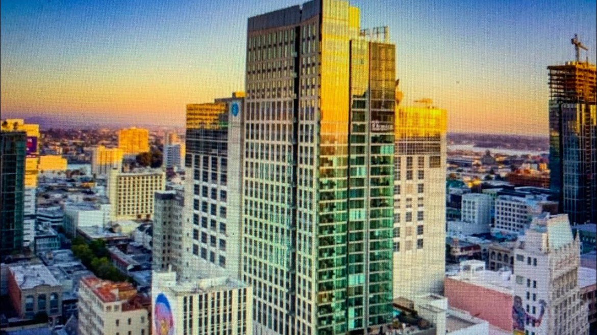 17th And Broadway: Downtown Oakland High-Rise Apartment Offers 8-Weeks Free Rent
