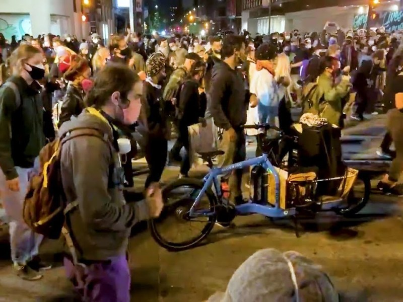 Oakland, California Protestors Spread Positivity By Dancing Together In Middle Of The Street