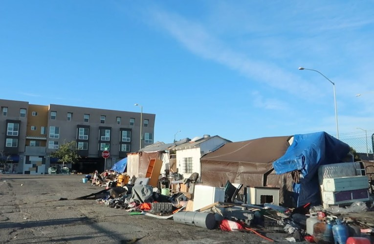 """YouTube's CharlieBo313 Video """"TRAGEDY IN OAKLAND CALIFORNIA"""" Focuses On Homeless Conditions"""