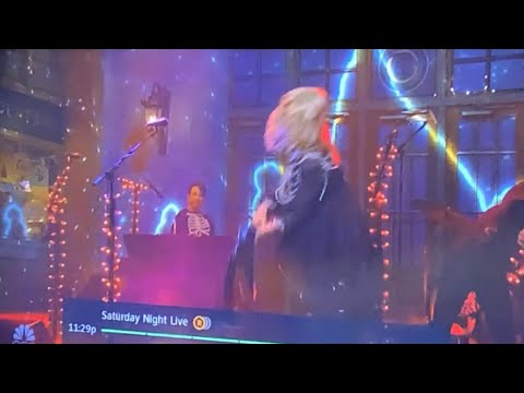 Phoebe Bridgers Goes Off On SNL, Head Butts Chest Of Guitarist, Smashes Guitar, Wildly Screams