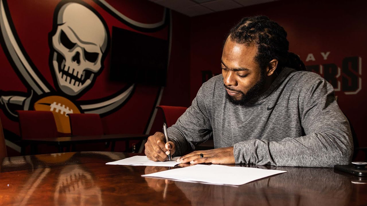 WATCH: Richard Sherman Signs Contract with Buccaneers - Blog