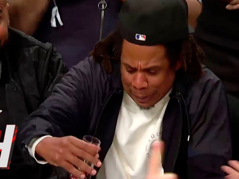 JAY-Z Almost Spilled his Drink after BLAKE GRIFFIN DUNK 😂