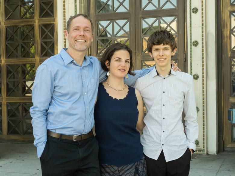 sam davis and family