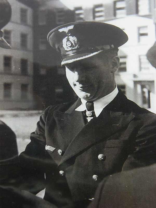 Fregattenkapitan Heinrich Lehmann Willenbrock Flask Grouping