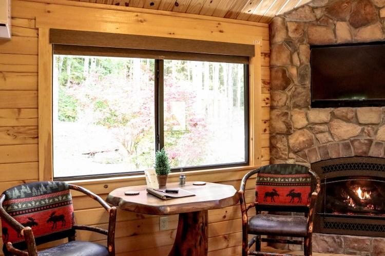 Cabin #10 Dinette