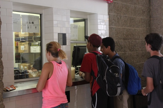 Students+wait+in+line+to+buy+lunch+at+the+new+school+cafe.+The+cafe+is+a+part+of+the+school%27s+effort+to+create+a+healthier+lunch+menu%3B+the+ingredients+come+from+local+areas+and+the+food+is+now+cooked+in+the+kitchen+%28Akshita+Dondeti%2FTalon%29.+