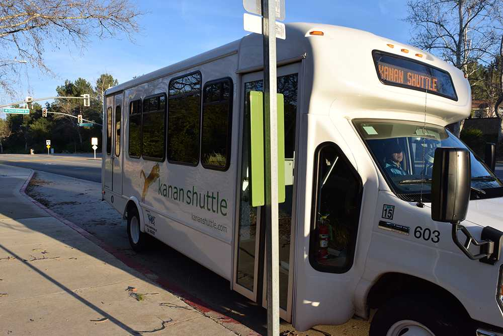 Kanan Shuttle transports community members and students across Oak Park. The free service plans to expand their number of stops in the future for the convenience of the community (Meghana Mudunuri/Talon).
