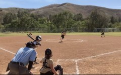 Mitchell pitches for Oak Park vs the Cal Cruisers