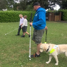 guide-dogs-visit-kingfishers-4