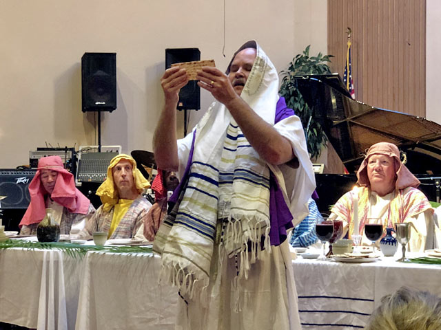 Maundy Thursday Ceremony, Rabbi Breaking Matza Bread, Oakwood United Methodist Church, Lubbock Texas