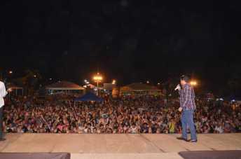 Abertura da 1ª Expolândia (Noite Gospel) fotos Ana Freitas em 25 de abril de 2013 (327)