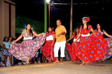 Grupo de Carimbó do Sesc apresenta coreografia de Roberto Peu